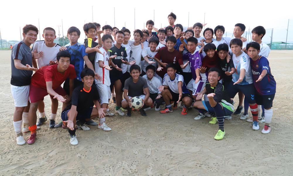 久御山高校サッカー部の練習の様子などを掲載!(11枚)