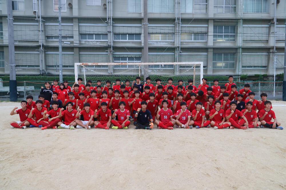 強豪校の練習風景はどんな感じ?愛媛の強豪・新田高校サッカー部の練習の様子!オフショットも!【2021年】