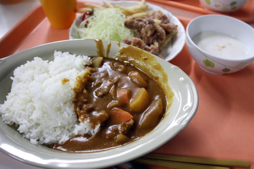 【寮生の一日】どんな寮飯を食べているの?