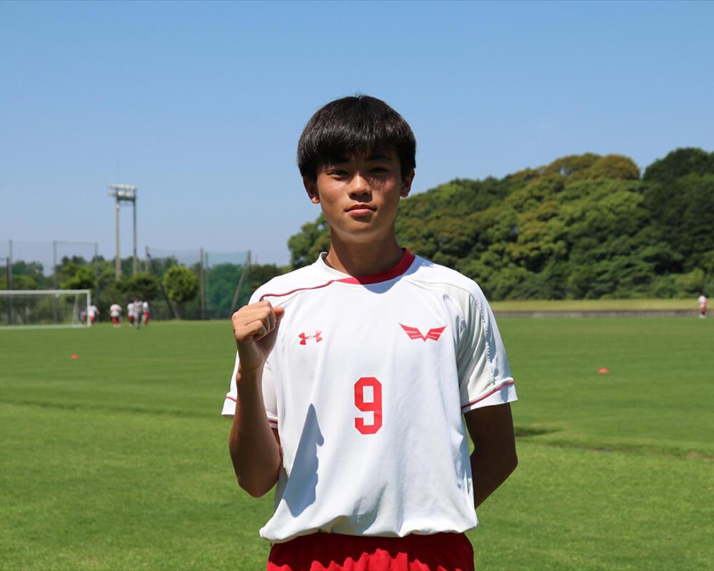 【2021年 始動!】長崎の強豪・創成館高校サッカー部|ボランチ・岡優希の誓い「自分の武器である運動量をいかして裏に抜け出したり、ボールを持って切れ込んでいくプレーも出していきたい」