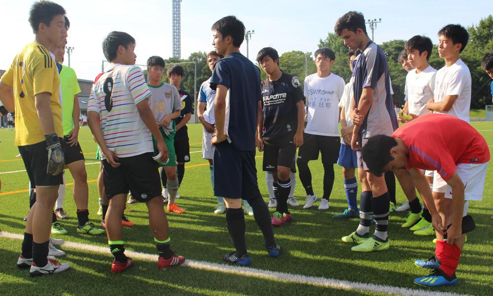東海学園高校サッカー部の練習の様子を紹介!(20枚)