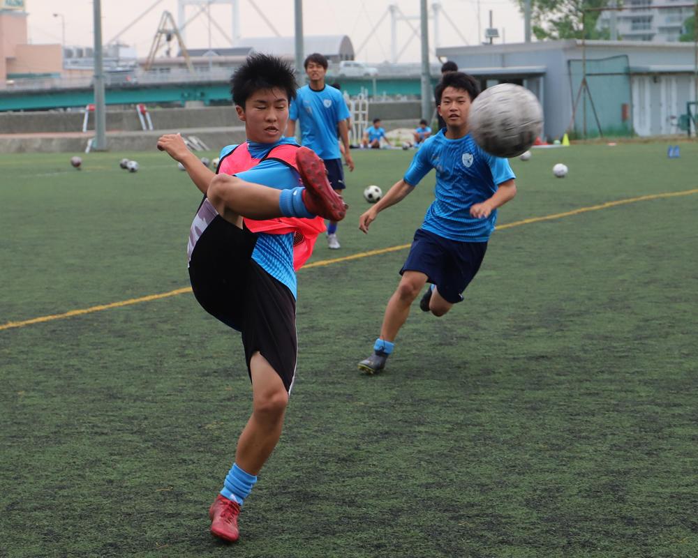 徳島の強豪校・徳島市立高校サッカー部の練習に密着!(21枚)