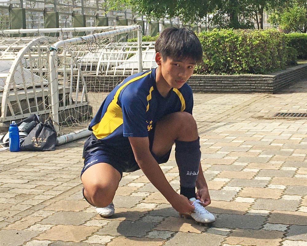 東京の強豪・関東第一高校サッカー部|スピードモンスターは平田晟也!「腰が弱く、小学校の頃から整骨院に通っていたんです。そこでプラスαでチューブトレーニングをやる機会がありました」【2020年】