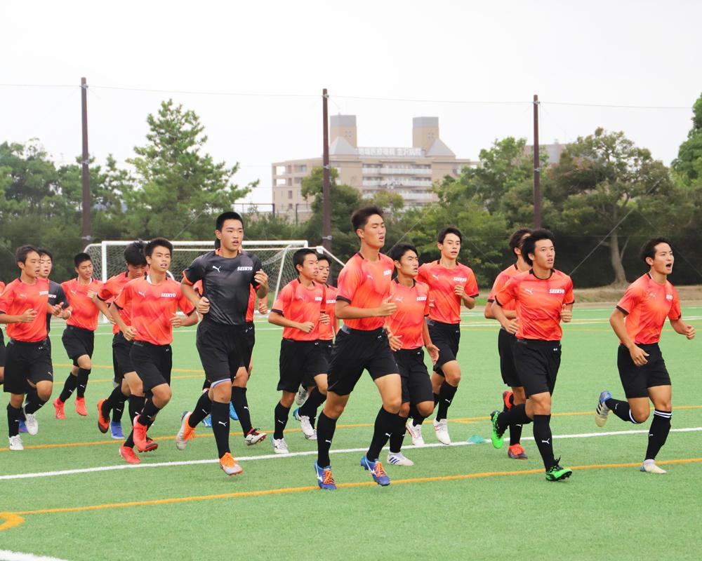 石川の強豪・星稜高校サッカー部の練習の様子!(14枚)