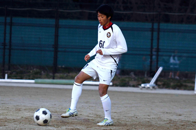 京都橘高校のMF梅津凌岳が気になるのは履正社高校の安羅修雅