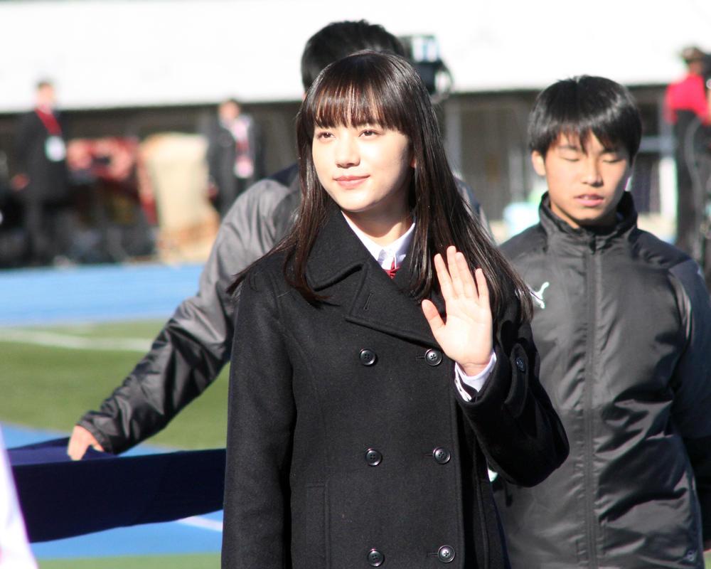 応援マネージャー・清原果耶さんが開会式に登場!【全国高校サッカー選手権】