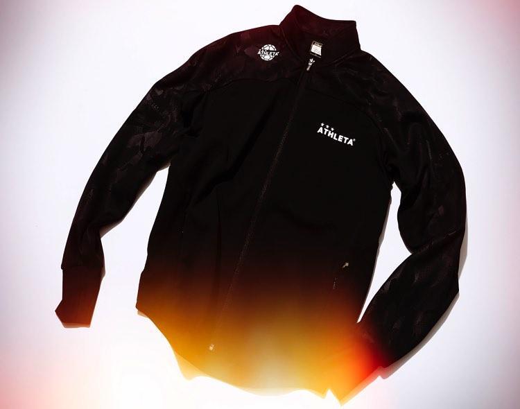 冷静な状況判断をサポートするクールなジャケット
