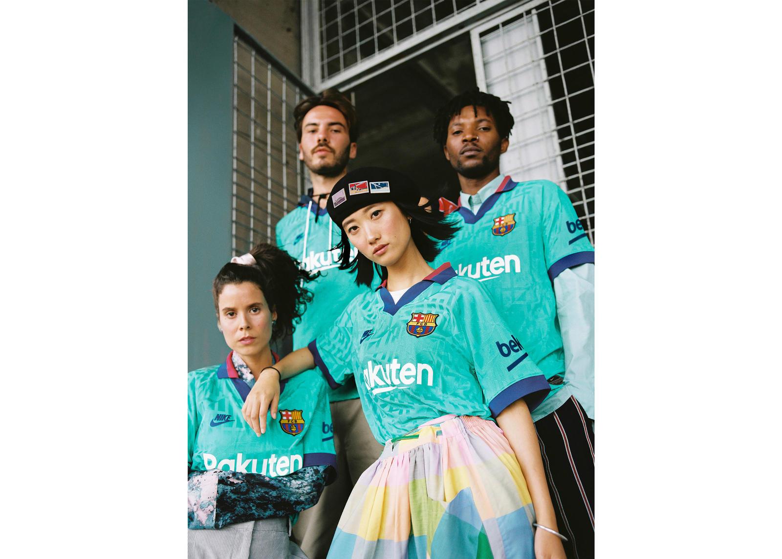 NikeNews_FCB_ThirdKits2019-20_1_90225.jpg