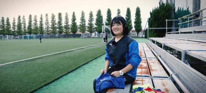 サッカーの素人からスタートし、インターハイ準優勝に貢献。二度目の選手権優勝を目指す富山第一の女子マネージャーに密着!